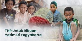 Bagi THR Lebaran Untuk 10.000 Yatim Dhuafa