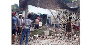 Gempa M 6,7 Guncang Malang Puluhan Rumah Warga Hancur