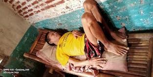 Mendadak Lumpuh, 3 Bulan Pak Kayat Terbaring Diatas Kursi Bambu